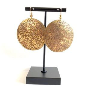VINTAGE Handcrafted & carved floral copper earring